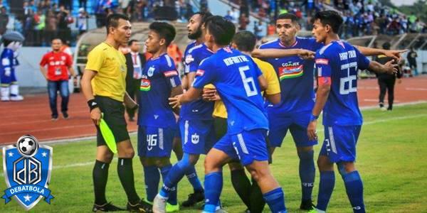 Badak Lampung vs Barito Putera
