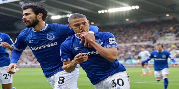 Prediksi Burnley vs Everton