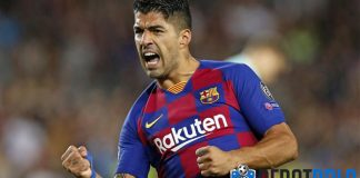 luis suarez barcelona striker
