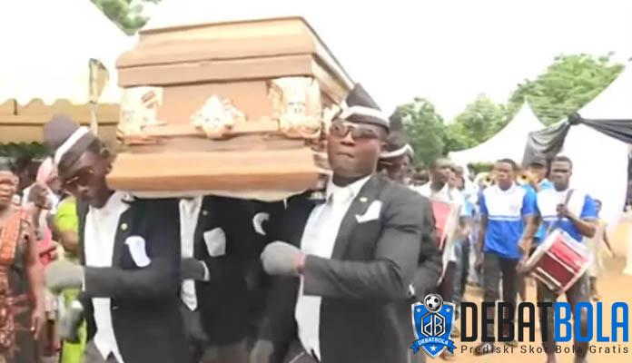 Pengangkut Peti Mati yang Viral Itu Seorang Penggemar Messi