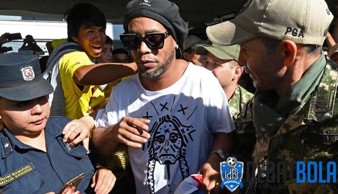 Ronaldinho Akhirnya Buka Suara Terkait Kasusnya