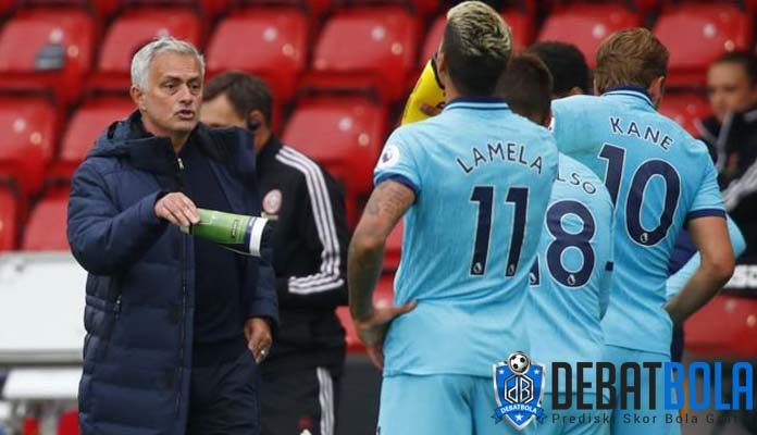 Mourinho Nilai VAR Buruk untuk Sepakbola