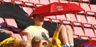 Ozil Tak Mau Tinggalkan Arsenal